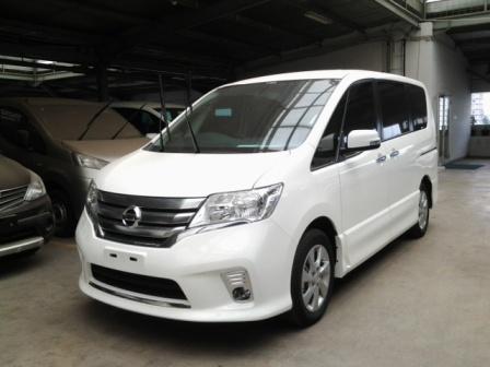 Nissan All New Serena Tipe Hws dan Panoramic -Putih